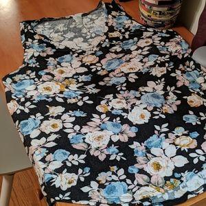 Floral print flowy tank top